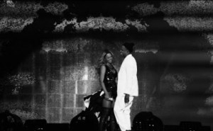 Video: Beyonce & JAY Z - Young Forever / Halo (Live at On The Run Tour)